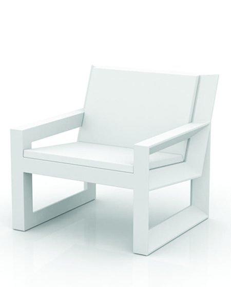 Frame 403 lounge chair A