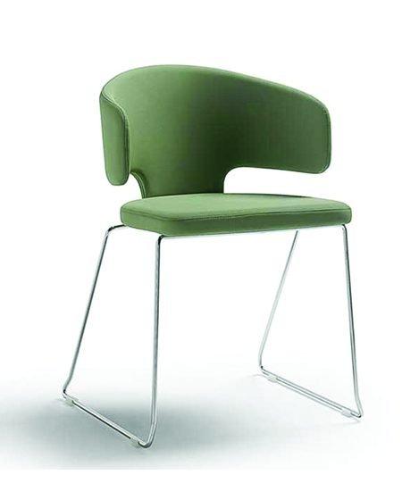 Pretty 202 armchair A