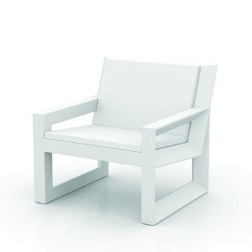 Frame 403 lounge chair